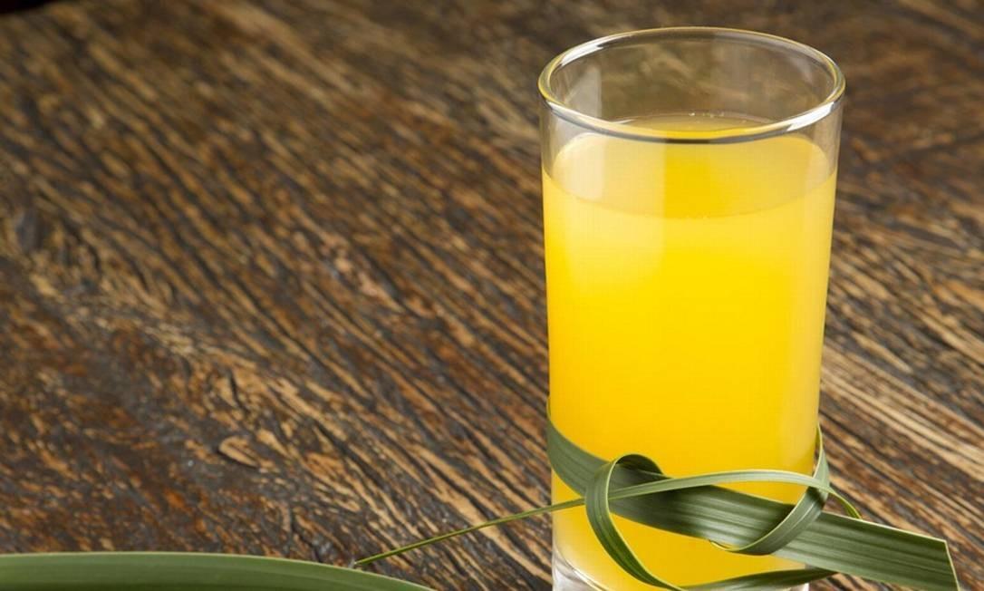 Leve. Uma das opções do Rosita Leblon é o chá gelado de capim-limão com suco de maracujá. Custa R$ 8,50 Foto: Divulgação/Virna Santolia