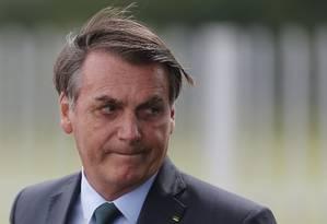 O presidente Jair Bolsonaro na entrada do Palácio da Alvorada Foto: Jorge William / Agência O Globo