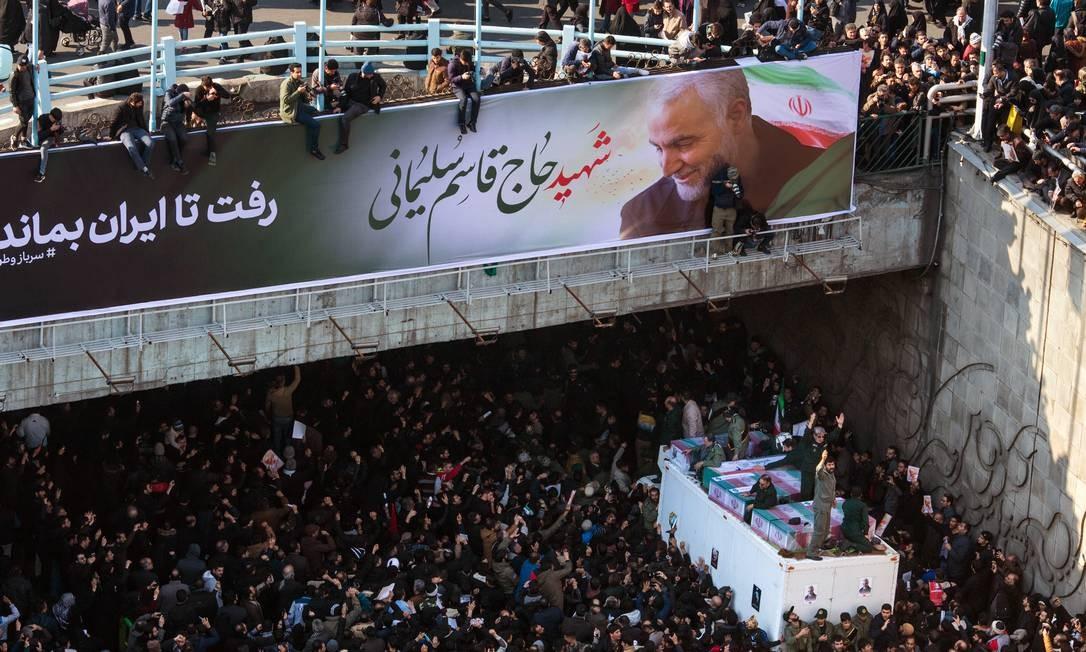 Cortejo fúnebre em homenagem ao general Qassem Soleimani em Teerã Foto: ARASH KHAMOOSHI / NYT/06-01-2020