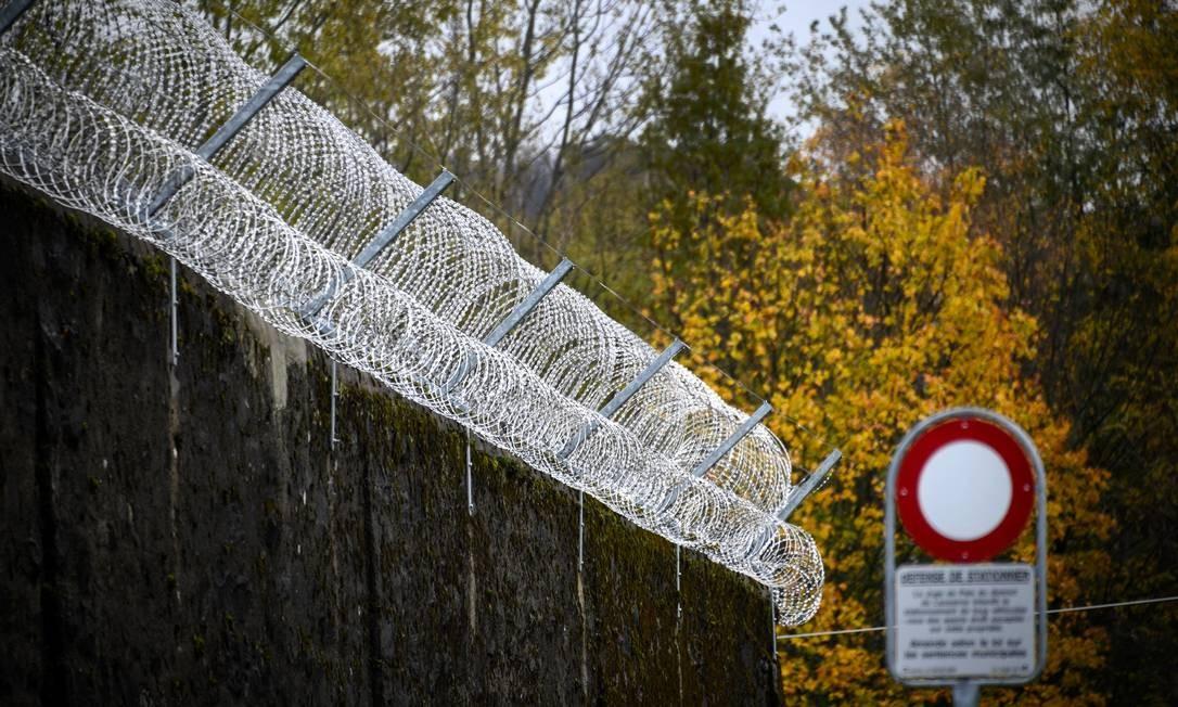 Prisão de Bois-Mermet, em Lausanne, no Oeste da Suíça; Peter Vogt, de 69 anos, condenado por estupro, quer ter o direito de realizar o suicídio assistido Foto: FABRICE COFFRINI / AFP