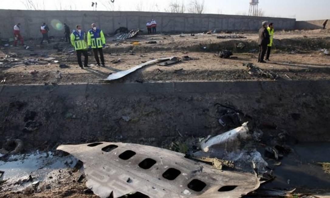 Equipes de resgate não localizaram sobreviventes após queda Foto: EPA