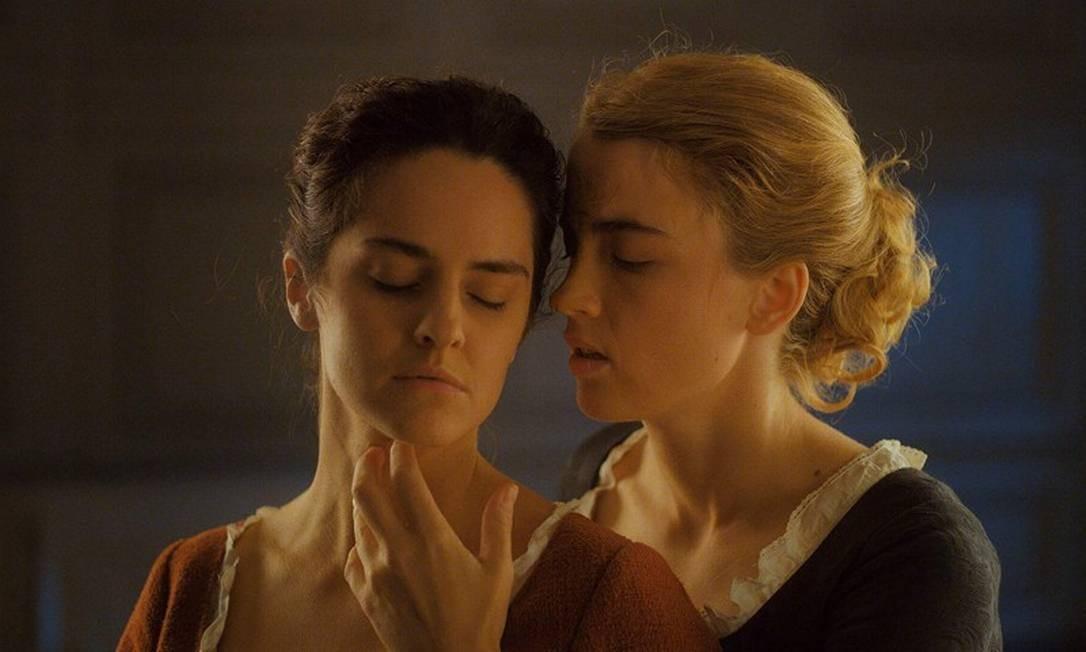 Adèle Haenel e Noémie Merlant em cena do filme Foto: Divulgação