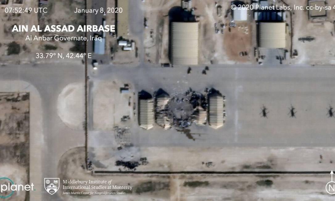 Imagem captada por satélite mostra destruição em base militar no Iraque Foto: Reprodução