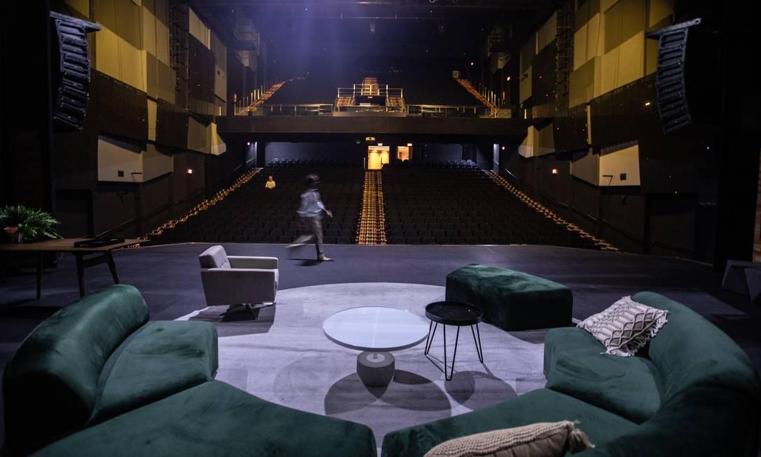 Cenário de 'A mentira' no palco do Casa Grande, no Leblon: programação só até junho Foto: BRENNO CARVALHO / Agência O Globo