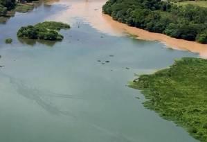 O Rio Guandu de onde a Cedae capta a água que vai ser tratada para abastecer parte da Região Metropolitana Foto: Reprodução