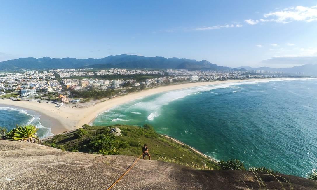 Agência oferece rapel dentro do passeio da Pedra do Pontal Foto: / Douglas Silva da Cruz / Divulgação