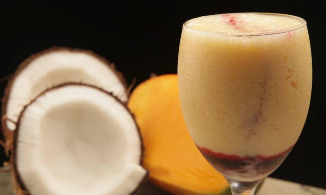 Academia da Cachaça. O Cocomanga, sem álcool, leva chá de hibisco (R$ 12,90) Foto: Divulgação/Berg Silva / Divulgação/Berg Silva