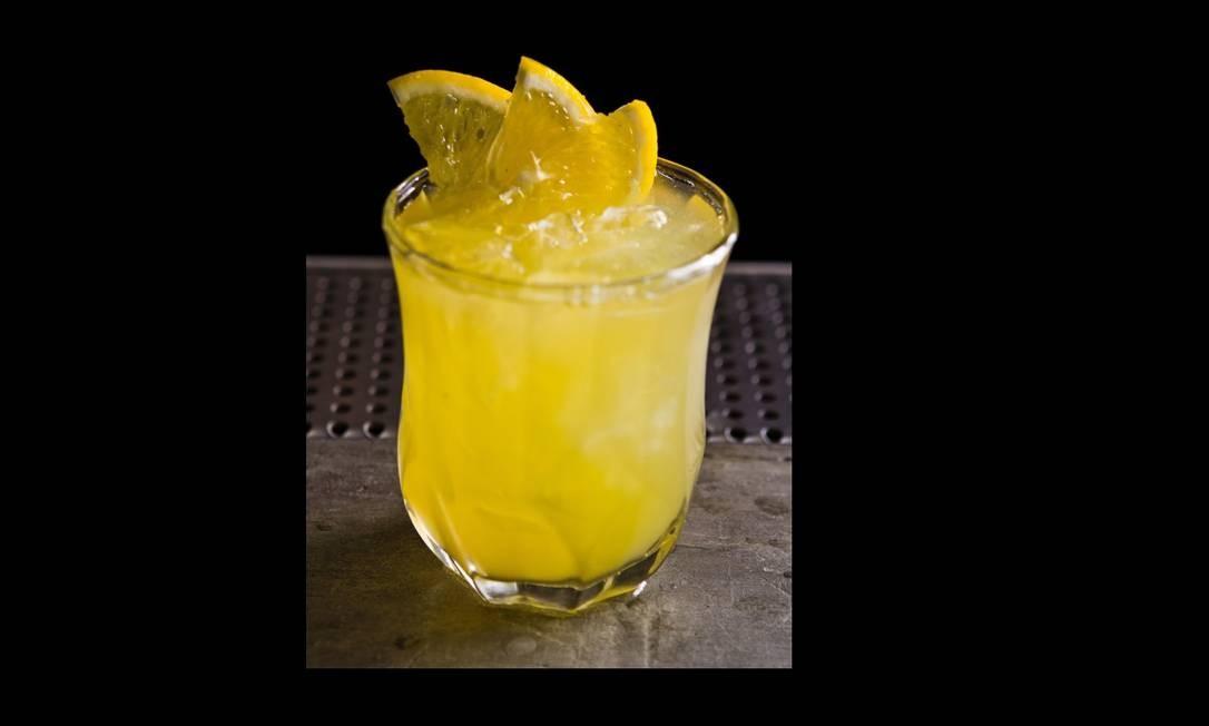 Bar Vizinhando. O drinque Crush combina manga com maracujá, lichia e vodca (R$ 21,90) Foto: Divulgação / Divulgação