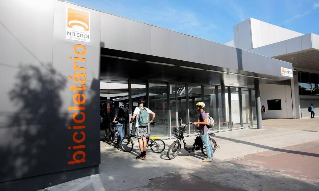Bicicletário Araribória, no Centro, será ampliado com mais 502 vagas Foto: Brenno Carvalho/Arquivo / Agência O Globo