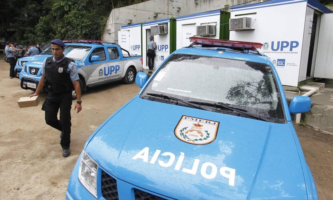 Se algum foragido for identificado pelas câmeras, os técnicos do CICC alertam o policial que dará voz de prisão Foto: Roberto Moreyra / Agencia O Globo