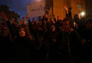 Manifestantes se reuniram no sábado em Teerã após militares iranianos admitirem ter abatido avião civil ucraniano matando 176 pessoas Foto: Wana News Agency / VIA REUTERS