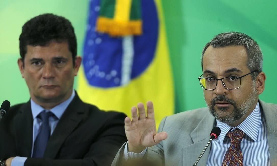 Weintraub e Moro durante lançamento da iniciativa Foto: Jorge William / Agência O Globo
