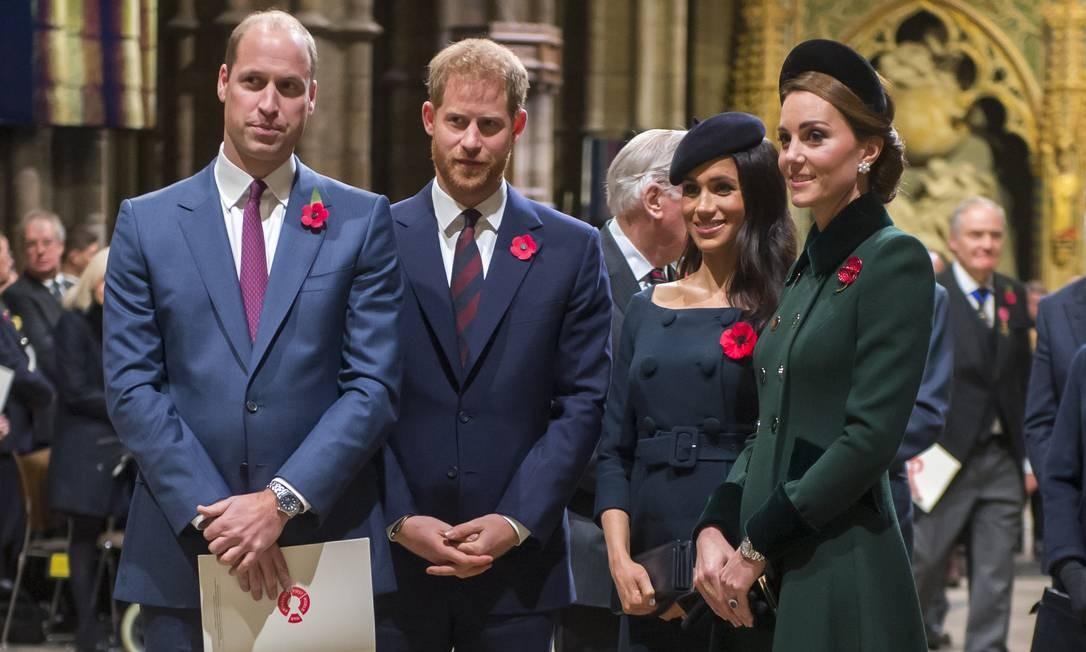 A partir da esquerda: os príncipes William e Harry, Meghan Markle e Kate Foto: WPA Pool / Getty Images