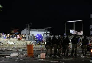 Confusão e tumulto na dispersão do Baile da Favorita, em Copacabana, na abertura oficial do carnaval Foto: Pedro Teixeira