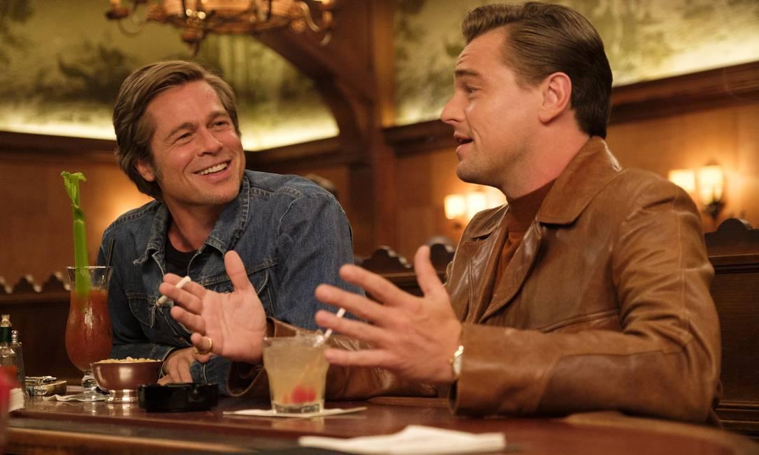 Era uma vez em... Hollywood - Nono filme de Quentin Tarantino tem Leonardo DiCaprio e Brad Pitt no elenco. A trama conta a história de Rick Dalton (DiCaprio) – ator de meia-idade em franco declínio profissional diante de uma nova geração de astros que desponta e dos derradeiros suspiros da glamorosa Era de Ouro de Hollywood prestes a dar lugar a um novo modelo de produção – cuja única companhia é Cliff Booth (Pitt), dublê de corpo, motorista, faz-tudo e amigo do chefe Foto: Divulgação