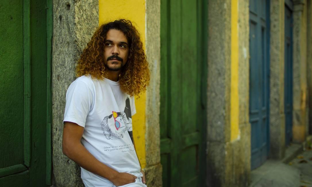 O escritor e colunista do Segundo Caderno de O GLOBO Geovani Martins Foto: Leo Martins / Agência O Globo