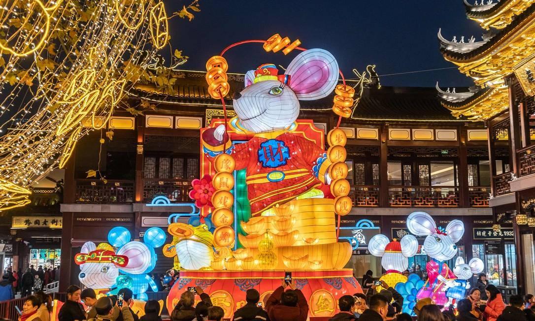 Lanterna de rato exibida no Jardim Yu Yuan em Xangai, para marcar o Ano Novo Lunar, o Ano do Rato, que começa em 25 de janeiro Foto: STR / AFP
