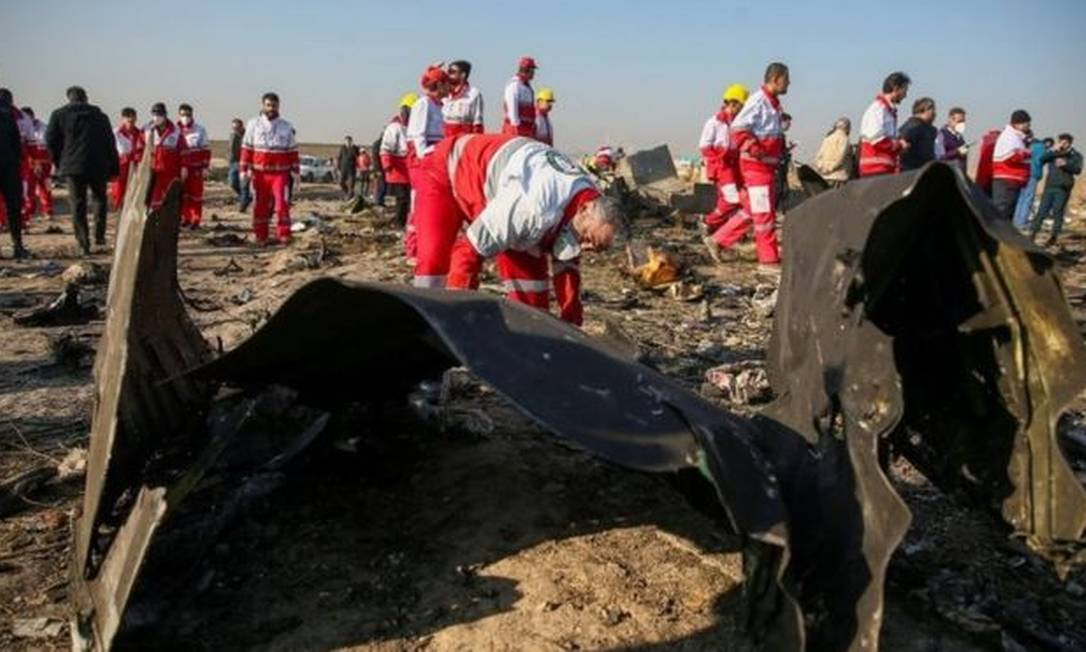 O avião da Ucrânia Internacional tinha acabado de decolar do aeroporto Teerã, com destino a Kiev, quando foi derrubado pelo míssil Foto: Reuters