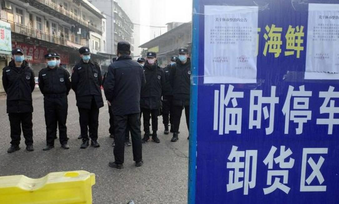 O surto começou em Wuhan, no leste da China Foto: AFP