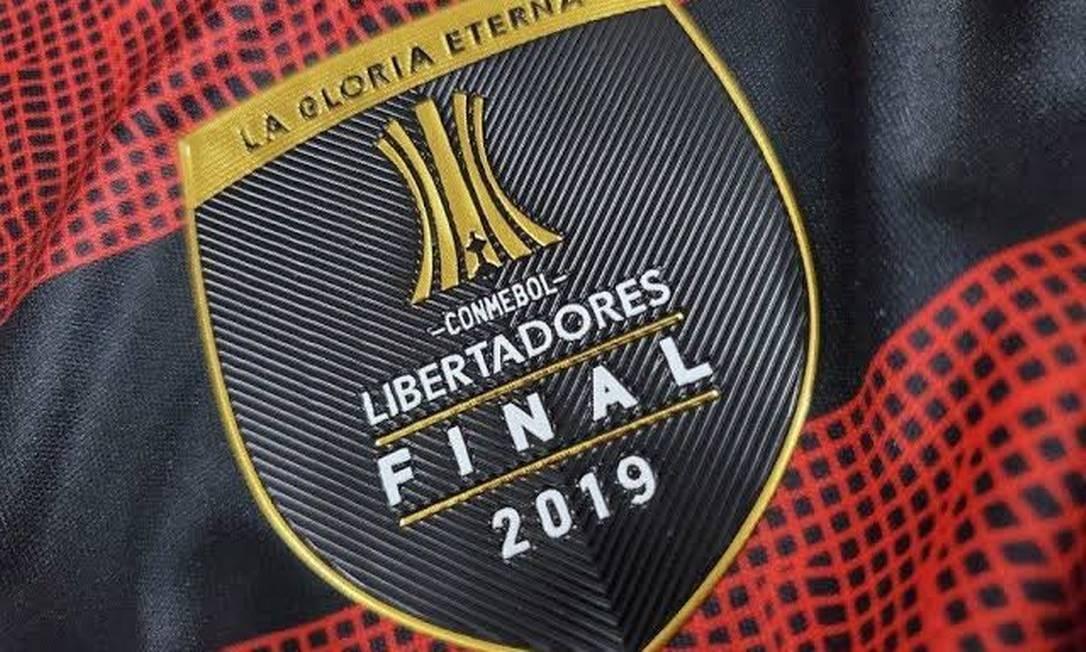 Patch da final da Libertadores no uniforme do Flamengo Foto: Divulgação/Flamengo