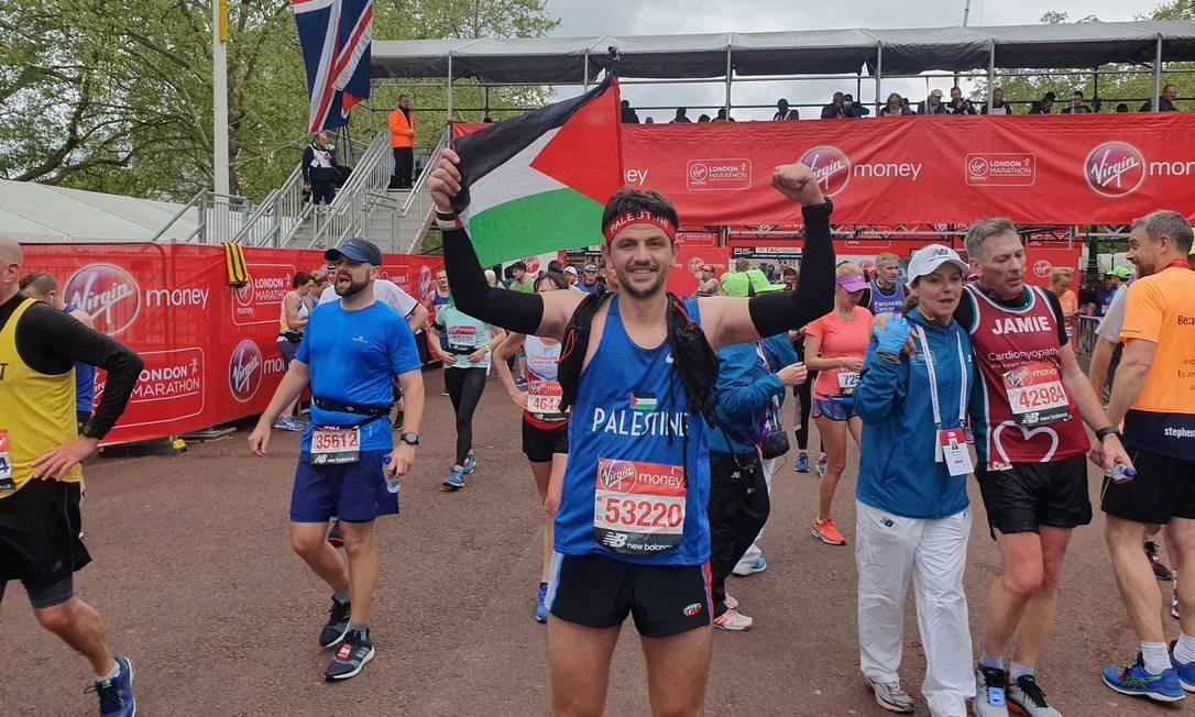 O corredor palestino Mohammad Alqadi, que começou uma cruzada jocosa contra a família Bolsonaro nas redes sociais Foto: Reprodução