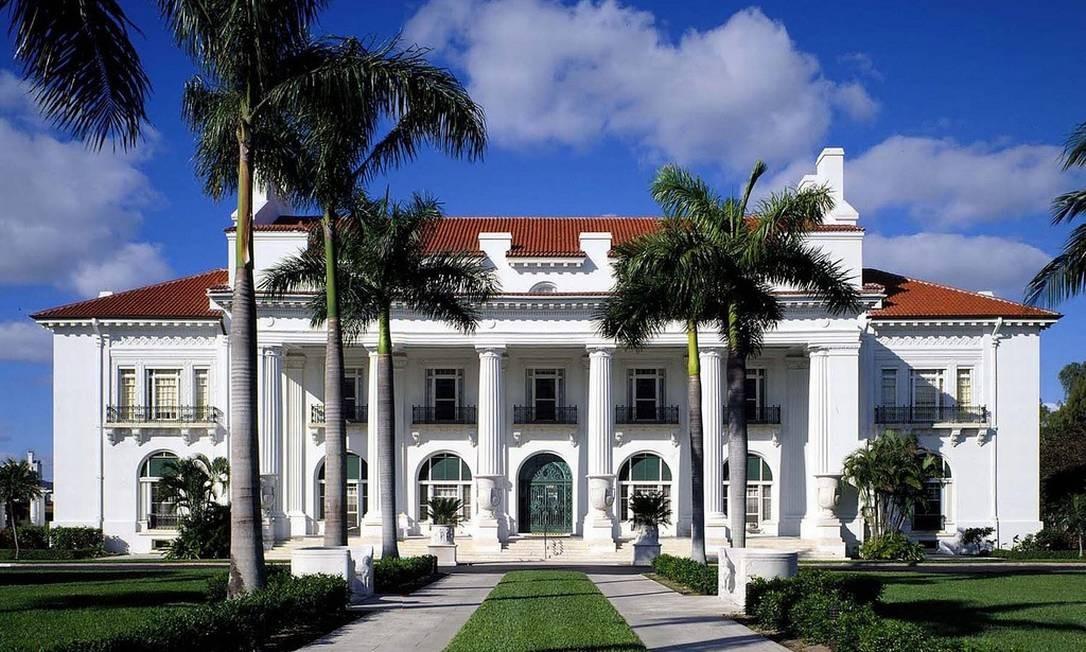 Fachada do Flagler Museum, que conta a história do magnata que foi pioneiro em Palm Beach Foto: The Flagler Museum / Divulgação