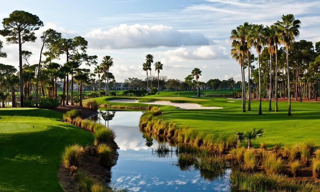 Campos de golfe do PGA National Resort & Spa, hotel e resort para a prática desse popular esporte, em Palm Beach Gardens, na Flórida Foto: Divulgação