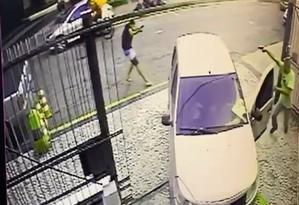 Câmera de segurança registrou a tentativa de assalto Foto: Reprodução