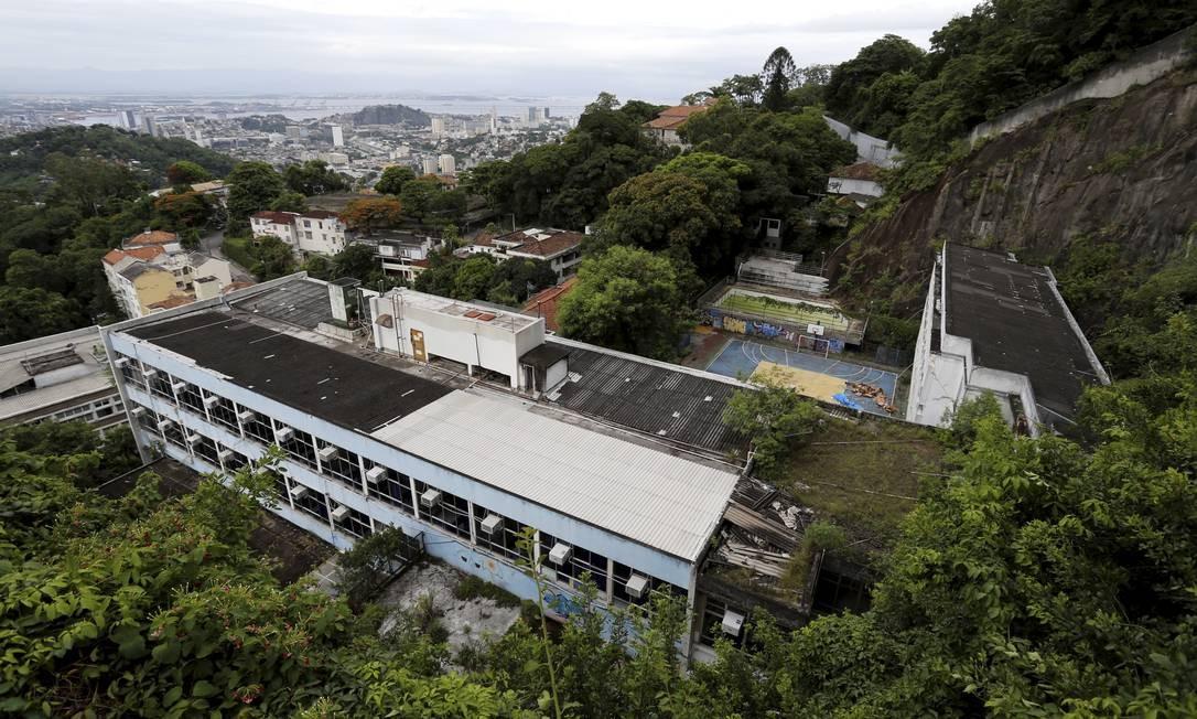 Escola Estatual Monteiro de Carvalhofica em Santa Teresa Foto: Marcelo Theobald / Agência O Globo