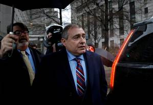 Empresário Lev Parnas, após audiência em Manhattan Foto: Brendan McDermid / REUTERS / 17-12-2019