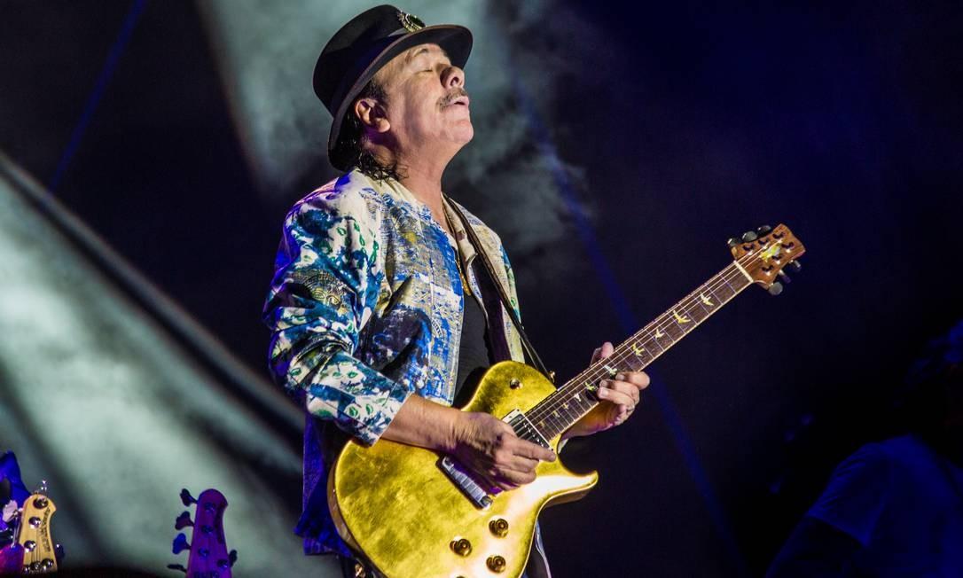 O guitarrista Carlos Santana Foto: Divulgação