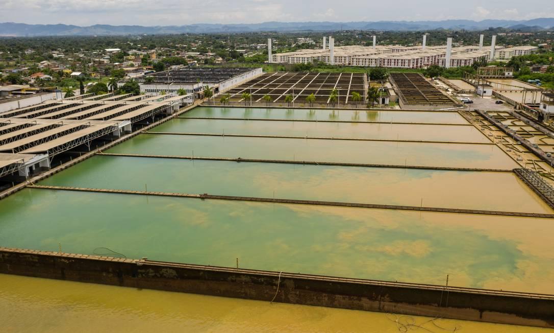 A estação de tratamento de água do Rio Guandu, responsável pelo abastecimento do Rio Foto: Brenno Carvalho / Agência O Globo