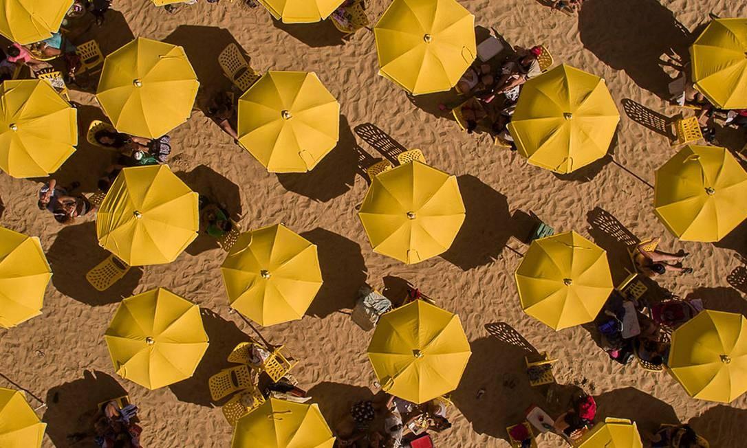 Garda-sóis na praia artificial criada no Parque de los Niños, uma das áreas que recebem o projeto Buenos Aires Playa 2020 Foto: Divulgação