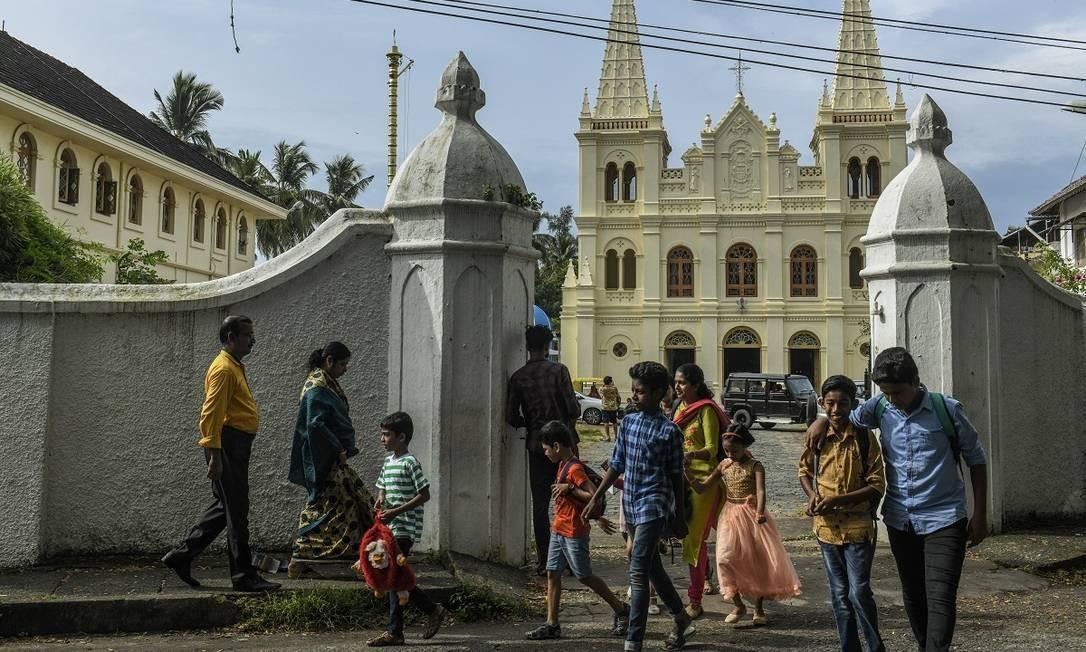 A Catedral de Santa Cruz é uma das muitas igrejas construídas pelos antigos colonizadores europeus (neste caso, portugueses) em Kochi, na Índia Foto: Atul Loke / The New York Times