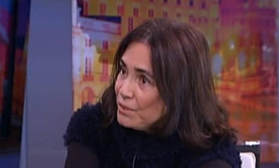 Regina Duarte, em entrevista a uma emissora de televisão portuguesa, disse, em 2016, que o Brasil passava por um processo delicado. 'Havia tanta esperança nesse governo (Dilma Rousseff), e ele frustrou um país, de uma forma muito agressiva, violenta. É triste', afirmou Foto: Reprodução