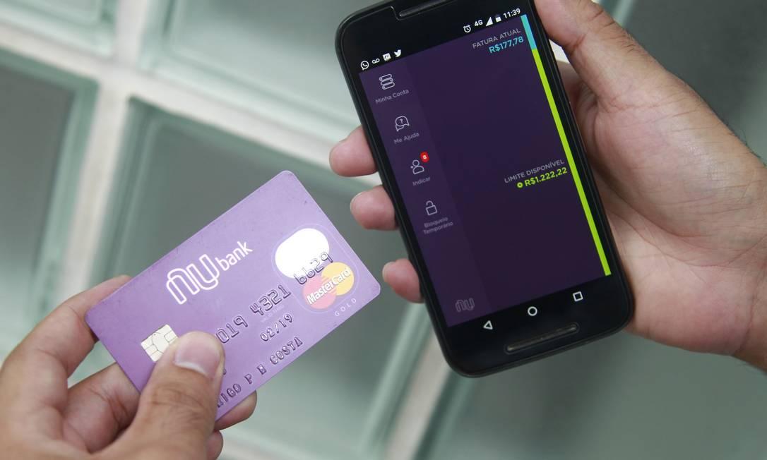 Nubank está entre os bancos digitais integrados ao Saxperto Foto: Urbano Erbiste : Urbano Holanda Erbiste / Agência O Globo