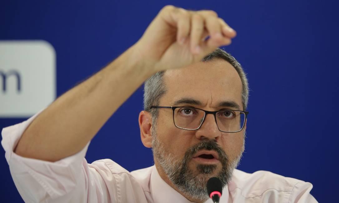 O ministro da Educação Abraham Weintraub prometeu que todas as falhas seriam corrigidas Foto: Andre Coelho/Folhapress / Agência O Globo