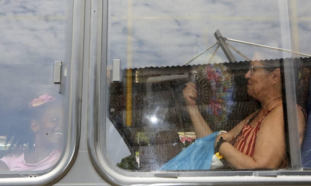 Falta de ar condicionado em ônibus da Zona Oeste Foto: Guilherme Pinto / Agência O Globo