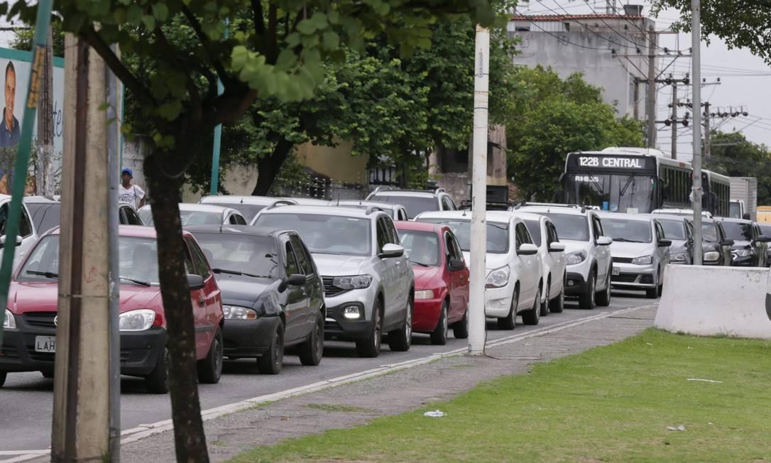 Veículo em dia: pagamento do IPVA para placa final 0 até esta terça-feira Foto: Cléber Júnior / Agência O Globo