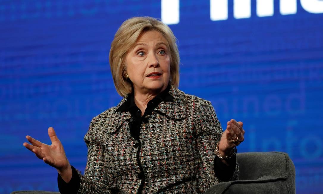 """Hillary Clinton fala durante painel sobre a série documental sobre sua carreira, """"Hillary"""", que terá sua pré-estreia no próximo sábado no Festival de Sundance, nos EUA Foto: MARIO ANZUONI / REUTERS"""