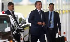 O presidente Jair Bolsonaro sai do Palácio da Alvorada Foto: ADRIANO MACHADO / REUTERS