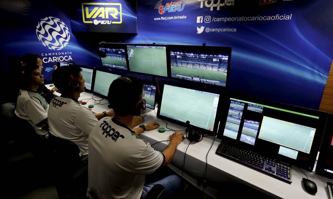 Cabine do VAR no Carioca Foto: MARCELO THEOBALD / Agência O Globo