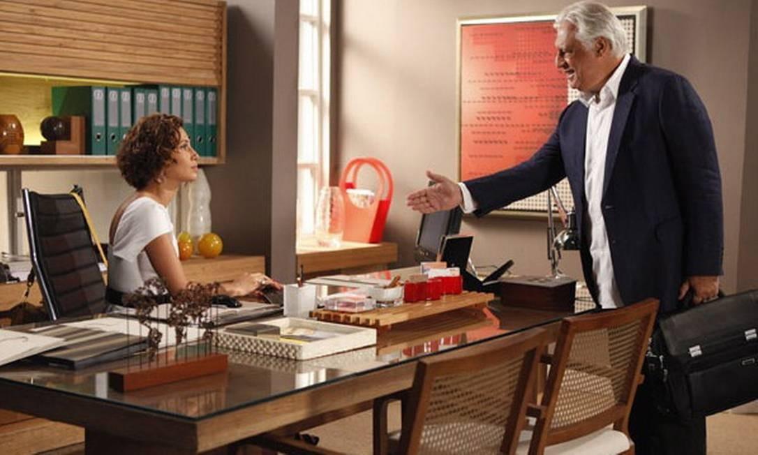 Antonio Fagundes e Camila Pitanga contracenam na novela Insensato coração Foto: TV Globo