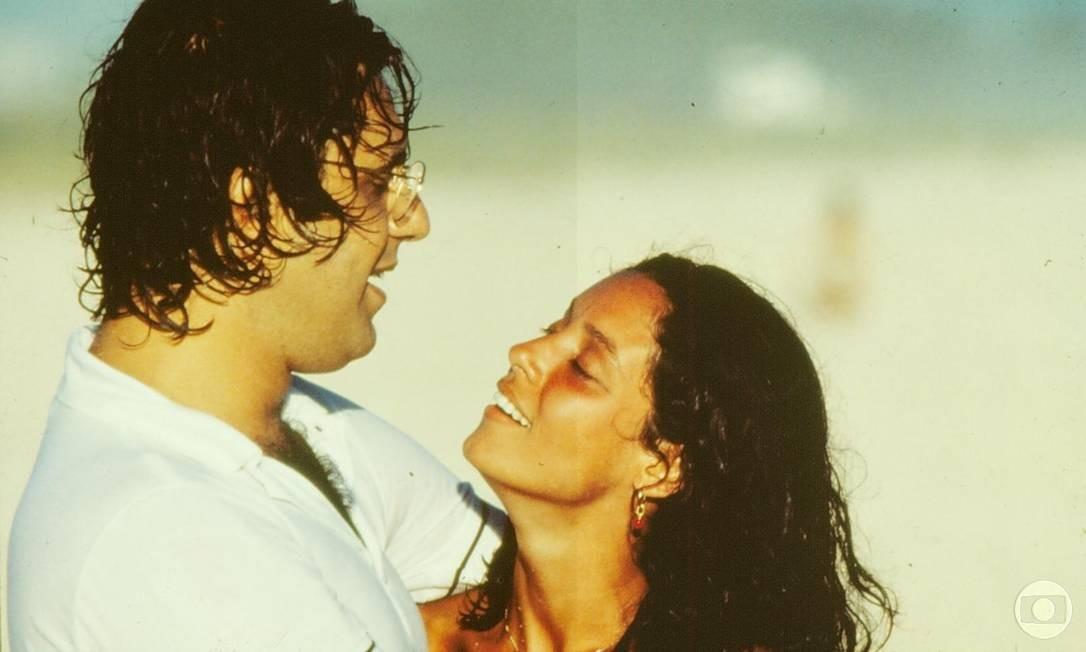 Fagundes e Sônia Braga viveram o casal Cacá e Julia em Dancin' days Foto: NELSON DI RAGO / DIVULGAÇÃO / TV GLOBO