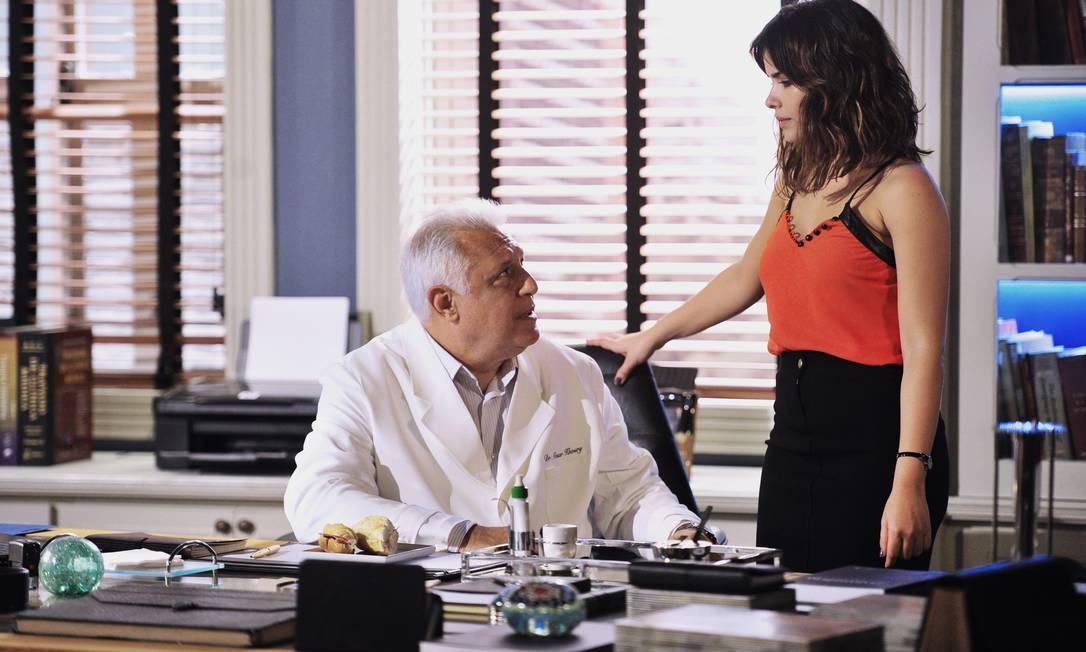 Antonio Fagundes como César de Amor à vida, em cena com Vanessa Giácomo Foto: Divulgação / Rede Globo