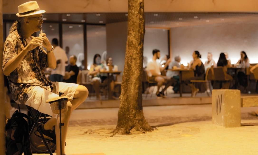Praia à noite: varanda do ARP Foto: Agência O Globo/Roberto Moreyra