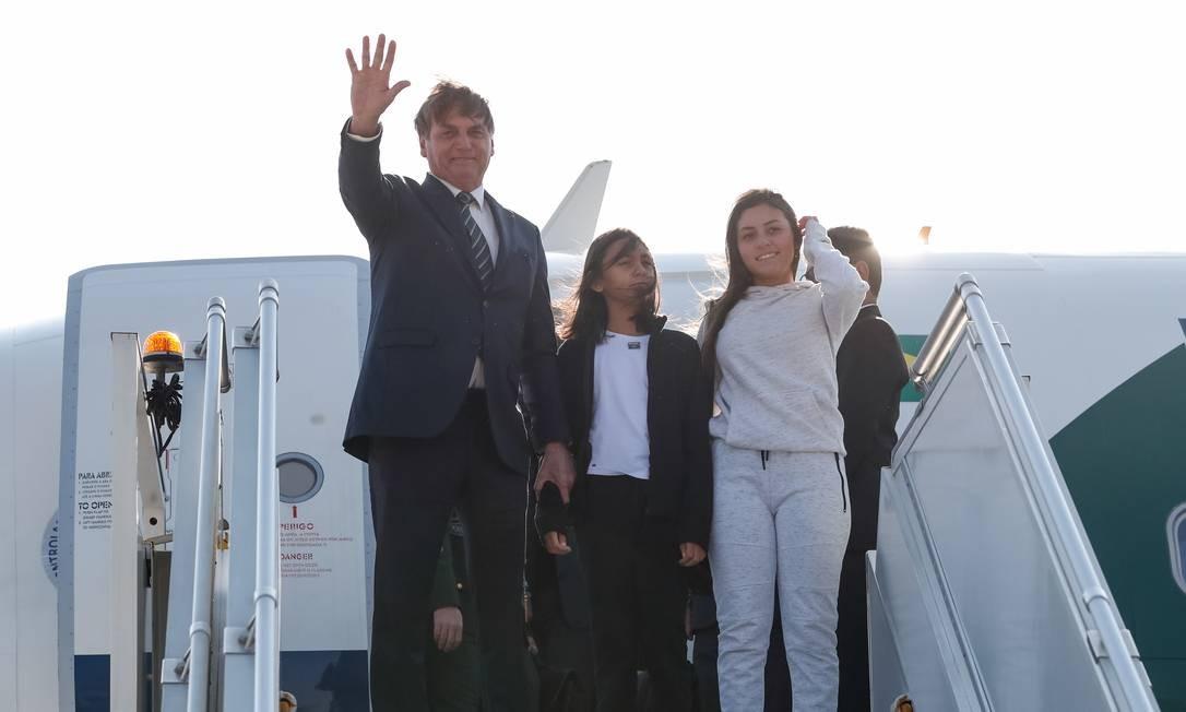 Bolsonaro estava acompanhado da filha, Laura Bolsonaro, e da enteada, Letícia Firmo Foto: Alan Santos / Presidência da República