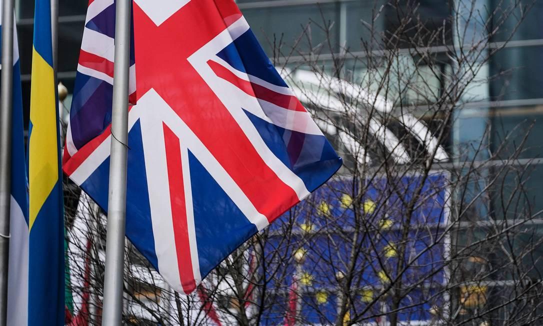 Londres deu sinais de que a saída da UE vai significar uma flexibilização nas regras vigentes Foto: KENZO TRIBOUILLARD / AFP