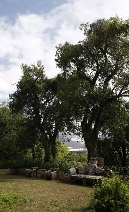 Jardim das Princesas em 2013. Espaço tem bancos ornamentados por membos da família real Foto: Eduardo Naddar / Agência O Globo