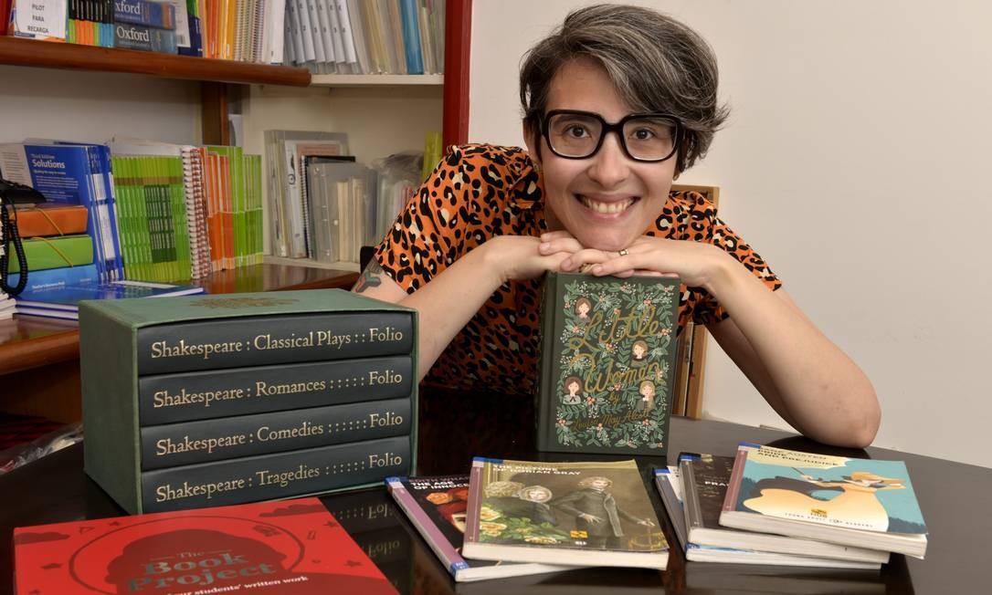 A professora Mariana Arcuri criou o clube leitura de literatura inglesa do The Scole Foto: Divulgação / Cristina Granato